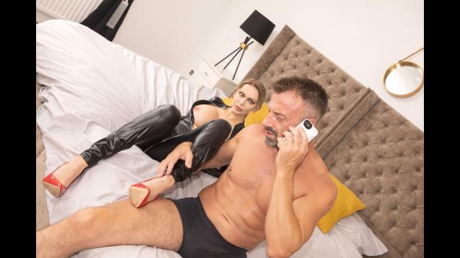Submissive couple