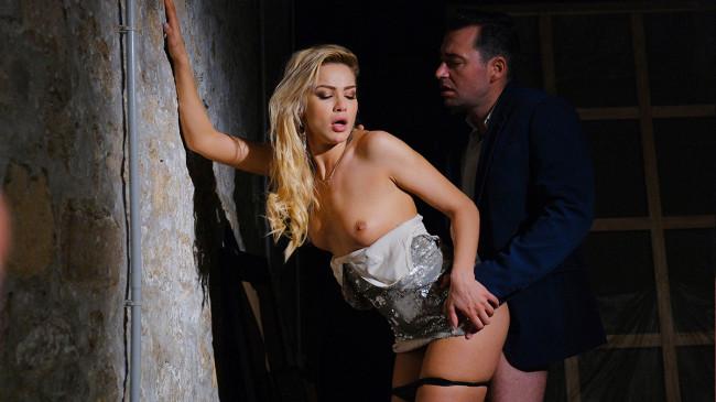 Sex & voyeurism